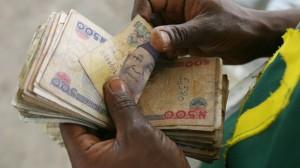 counting-naira-notes