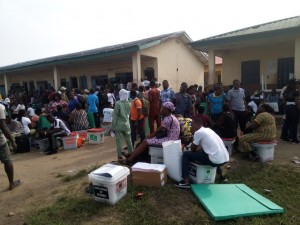 Lagos-Decides--INEC-ad-hoc-staff-protest-in-collation-centres291310218325644002
