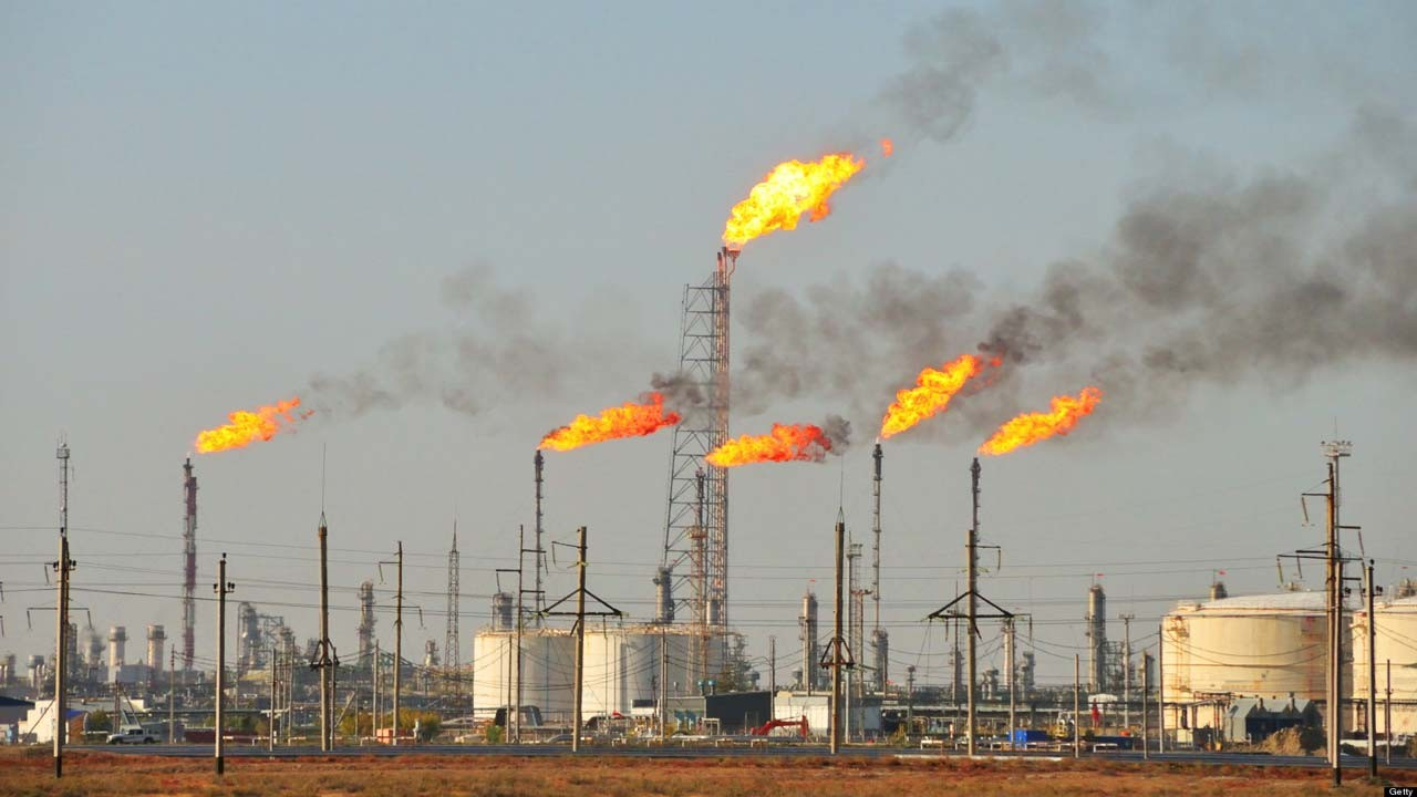 Senate-penalises-gas-flaring-in-new-bill--offenders-to-pay-N10-million-fine352534737865247325
